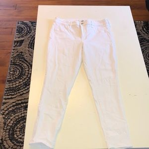American Eagle White Jeans